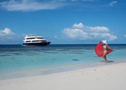 barca da crociera alle Maldive